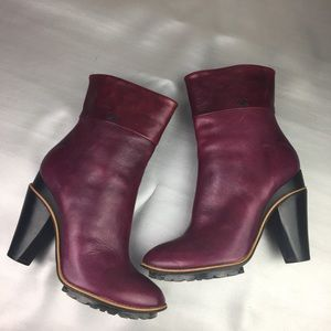 Costume National purple ankle booties